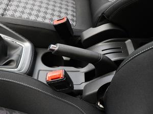 2018款1.5L 手动风尚版 驻车制动器