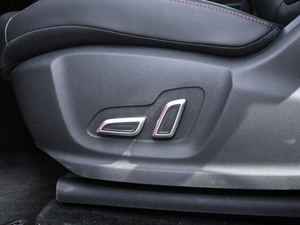 2018款30T Trophy 两驱荷尔蒙超燃版 座椅调节