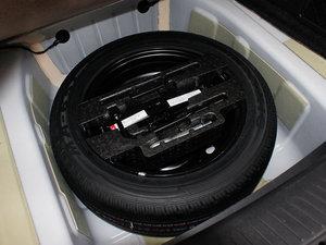 2011款1.8L 自动精英版 备胎