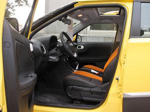 2011款1.5L AMT豪华版 前排空间