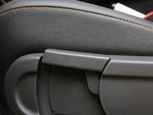 2011款1.5L AMT豪华版 座椅调节