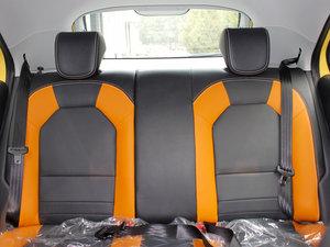 2011款1.5L AMT豪华版 后排座椅