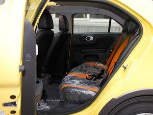 2011款1.5L AMT豪华版 后排空间