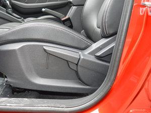 2017款1.5L 自动尊享互联网版 后排座椅