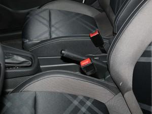 2017款1.5L 自动尊享互联网版 驻车制动器