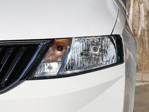 2019款1.5L 自动舒适版 头灯