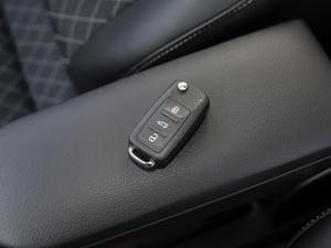 2019款1.5L 自动舒适版 钥匙