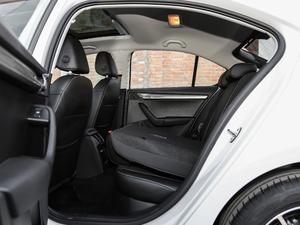2019款1.5L 自动豪华版 后排座椅放倒