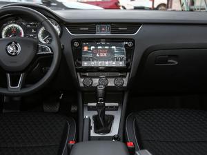 2019款1.5L 自动豪华版 中控台