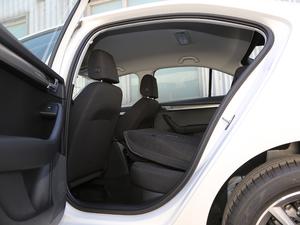 2019款1.5L 自动智行舒适版 国VI 后排座椅放倒