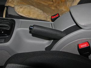2013款1.4TSI GreenLine2 驻车制动器
