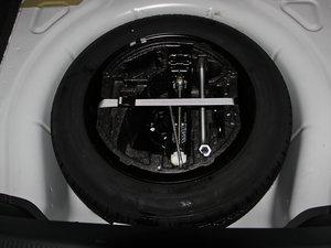 2013款1.4TSI GreenLine2 备胎