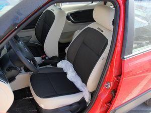 2013款1.6L 前排座椅