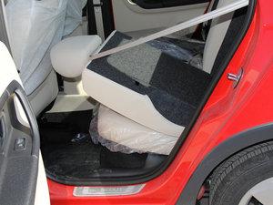 2013款1.6L 后排座椅放倒