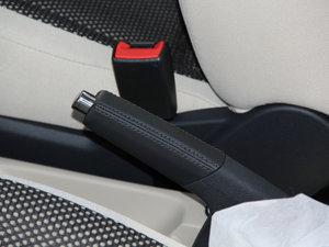 2013款1.6L 驻车制动器