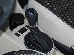 2013款1.6L 变速挡杆