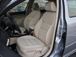 2015款1.6L 自动逸杰版 前排座椅