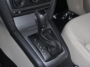 2015款1.6L 自动逸杰版 变速挡杆