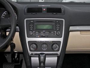 2015款1.6L 自动逸杰版 中控台