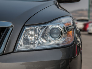2015款1.6L 手动逸致版 头灯