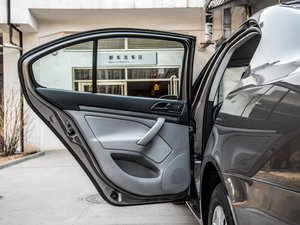 2015款1.6L 手动逸致版 后车门