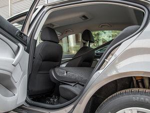 2015款1.6L 手动逸致版 后排座椅放倒