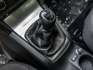 2015款1.6L 手动逸致版 变速挡杆
