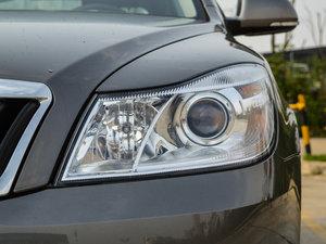 2015款1.6L 自动逸致版 头灯