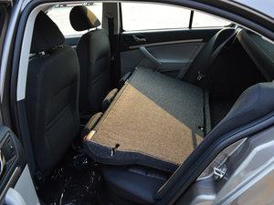 2015款1.6L 自动逸致版 后排座椅放倒