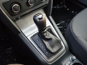 2015款1.6L 自动逸致版 变速挡杆
