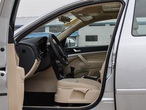 2015款1.6L 手动逸杰版 前排空间