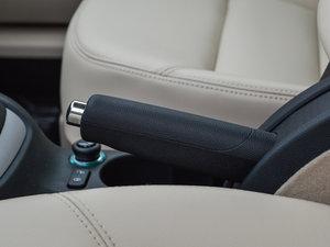 2015款1.6L 手动逸杰版 驻车制动器