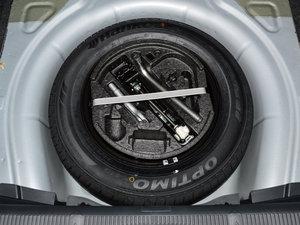 2015款1.6L 手动逸杰版 备胎
