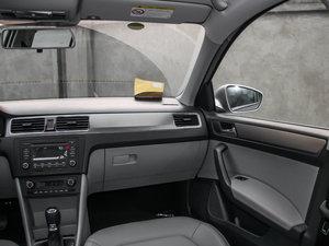 2015款1.6L 自动 优选版 空间座椅