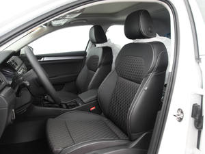 2016款280TSI DSG创行版 前排座椅