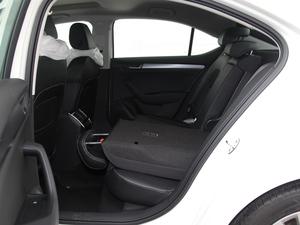 2016款280TSI DSG创行版 后排座椅放倒