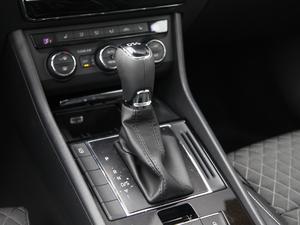 2016款280TSI DSG创行版 变速挡杆