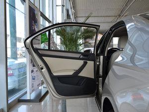 2016款1.6L 自动尊行版 后排座椅