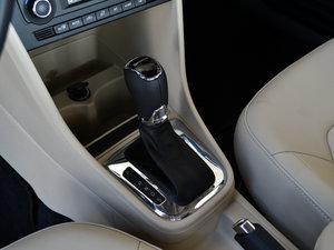 2016款1.6L 自动尊行版 变速挡杆