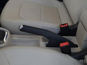 2016款1.6L 自动尊行版 驻车制动器