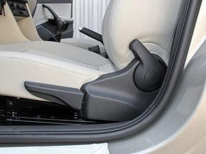 2016款1.6L 自动创行版 座椅调节