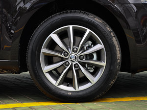 2017款1.6L 手动创行版 轮胎