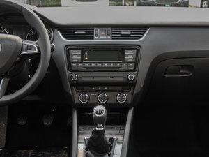 2017款1.6L 手动智行版 中控台