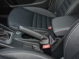 2017款1.6L 自动智行版 驻车制动器