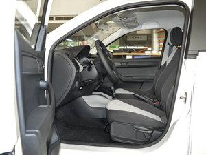 2017款1.4L 自动车享版 前排空间