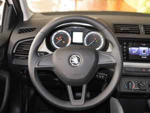 2017款1.4L 自动车享版 方向盘