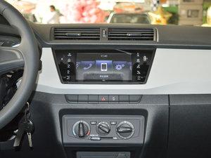 2017款1.4L 自动车享版 中控台