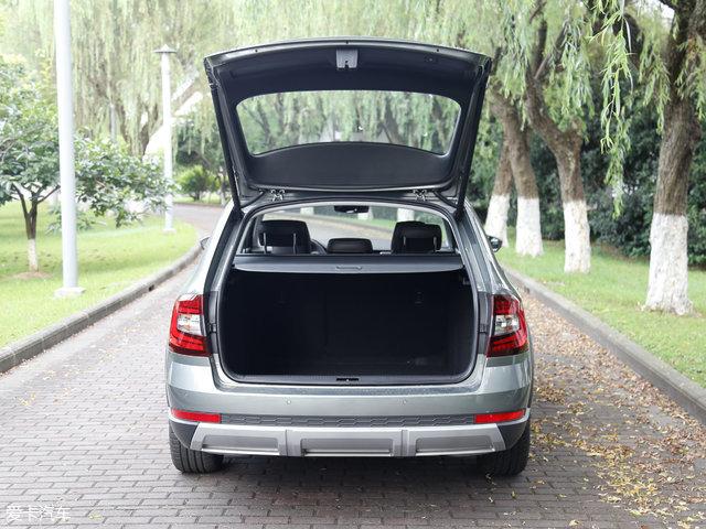 行李厢空间对于整个明锐车-专为情怀而来 实拍斯柯达新明锐旅行车