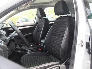 2018款230TSI 自动豪华版 前排座椅