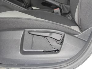 2018款经典款 1.6L 手动舒适版 座椅调节